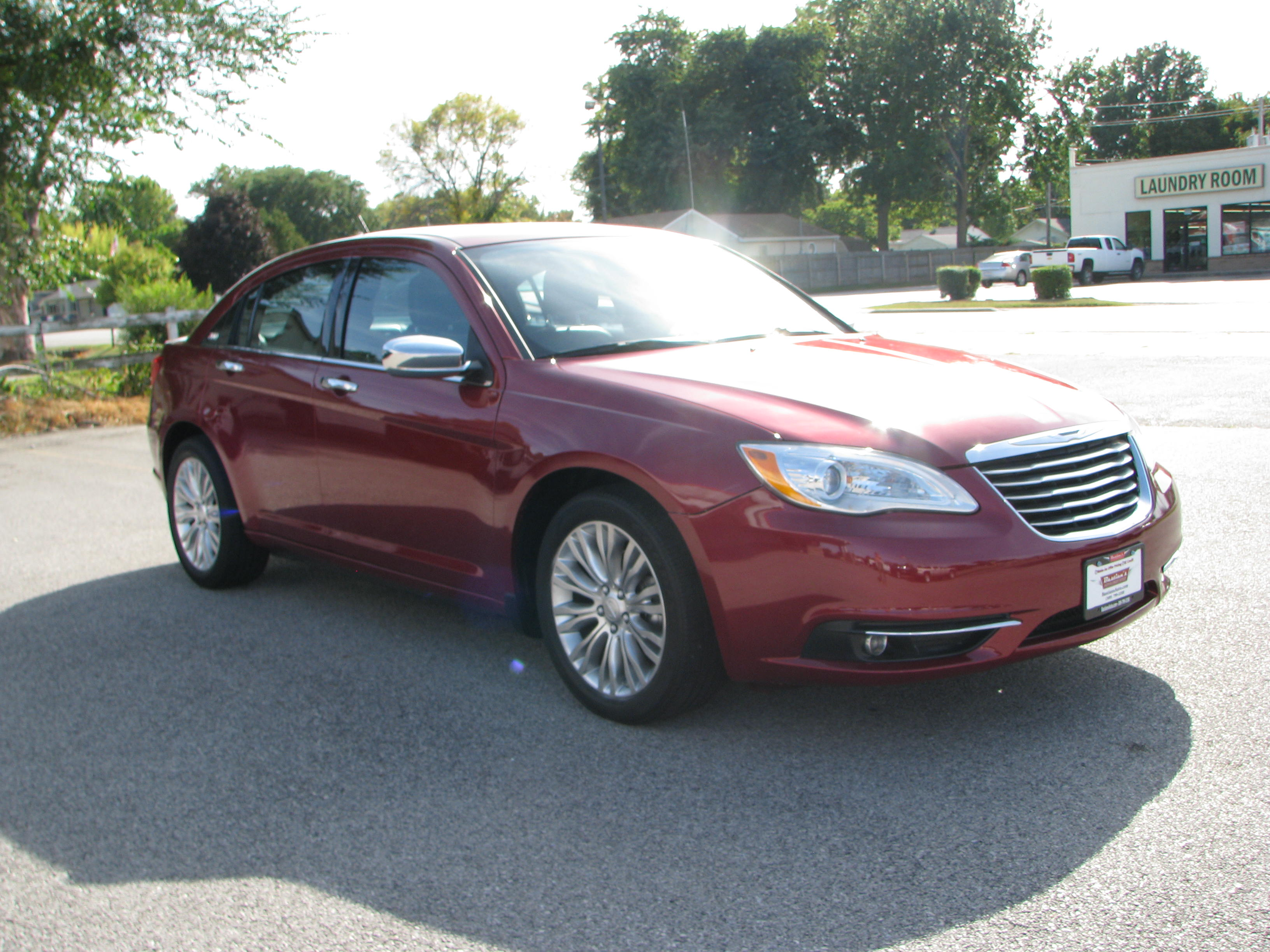 Pre-Owned 2013 Chrysler 200 4d Sedan Limited
