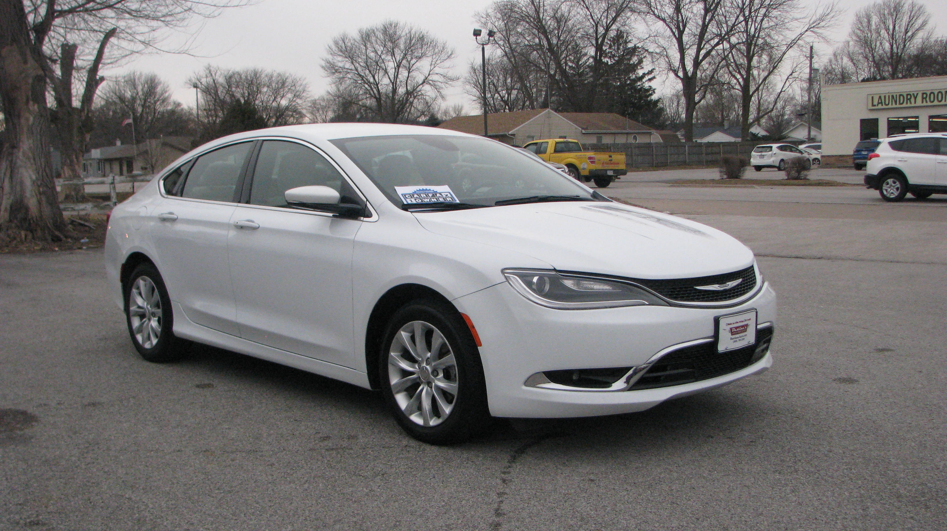 Pre-Owned 2015 Chrysler 200 4d Sedan C I4