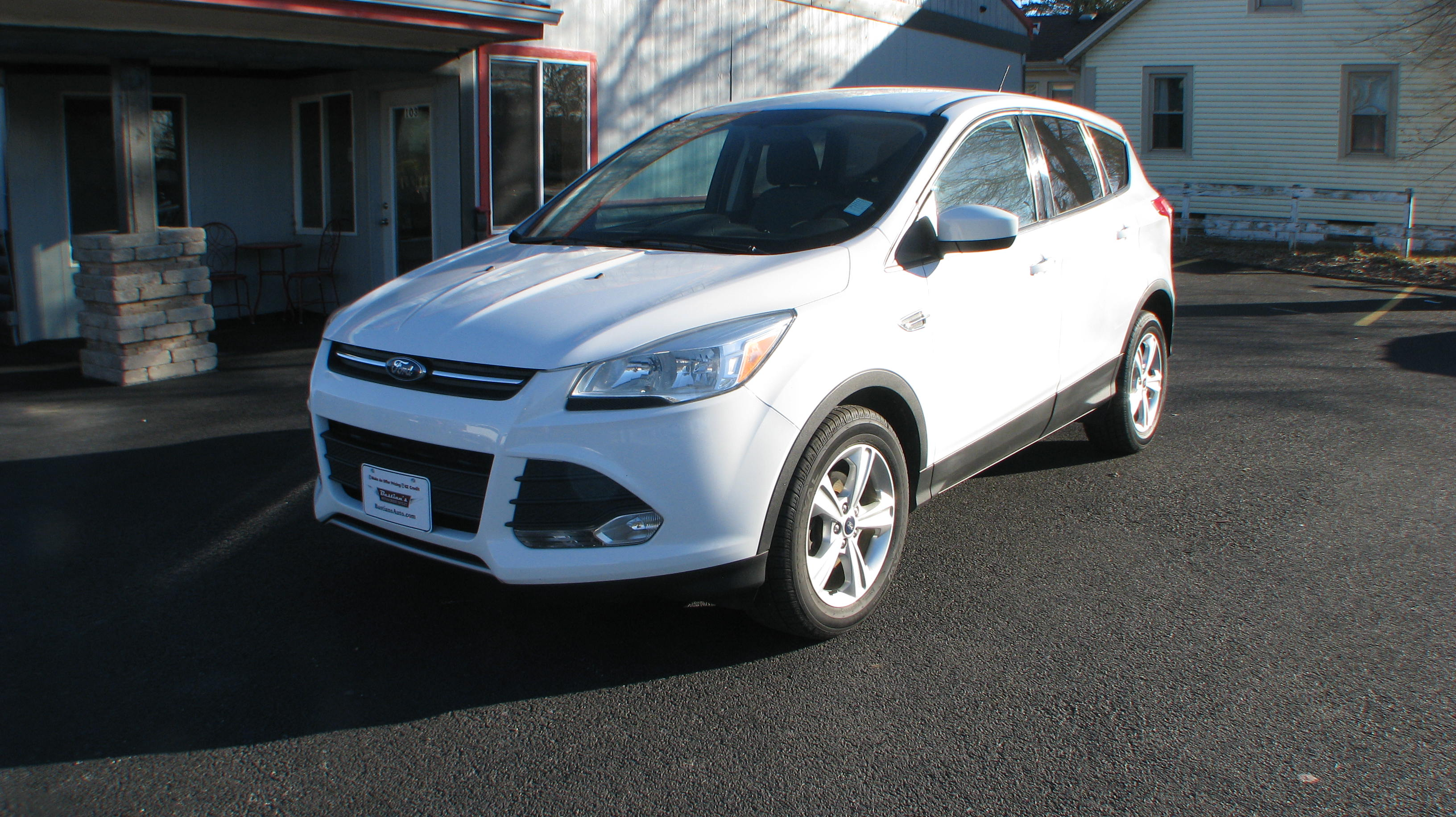Pre-Owned 2015 Ford Escape 4d SUV FWD SE Convenience Pkg