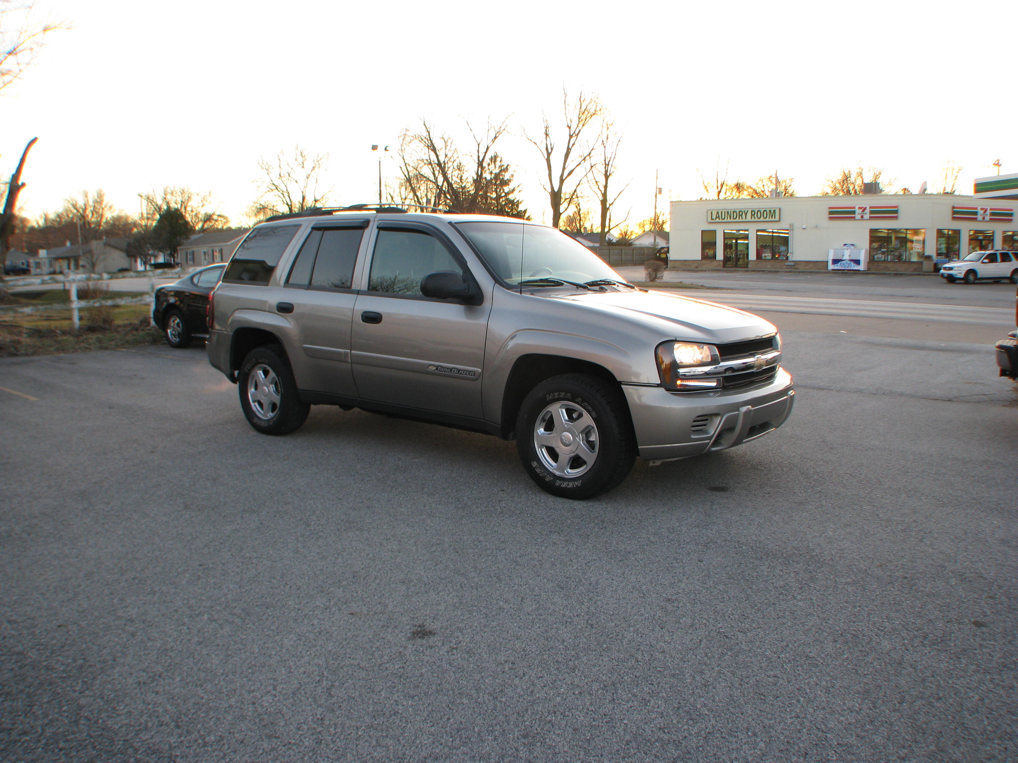 Pre Owned 2003 Chevrolet Trailblazer 4d SUV 4WD LT Sport Utility in