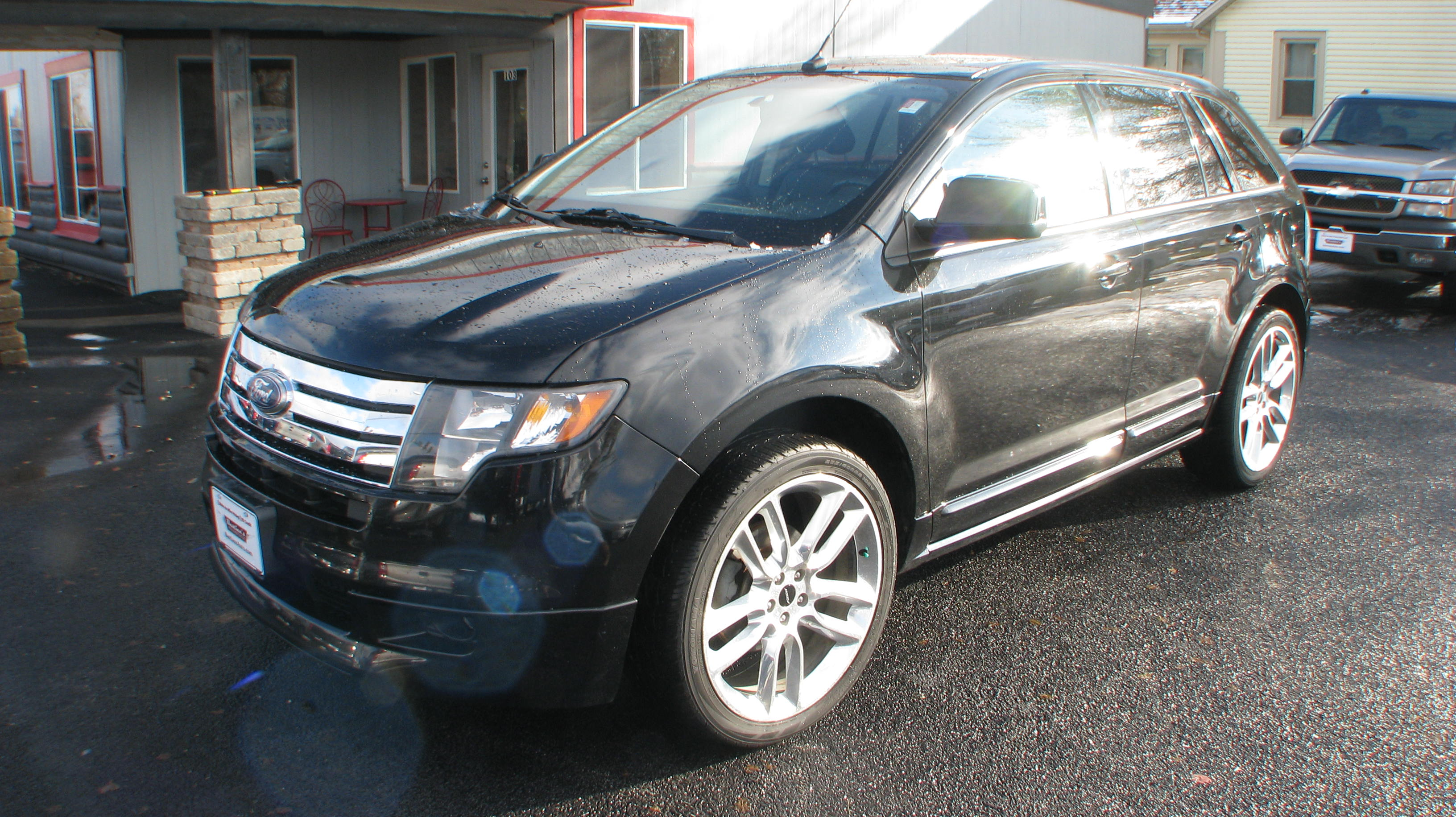 Pre-Owned 2010 Ford Edge 4d SUV FWD Sport