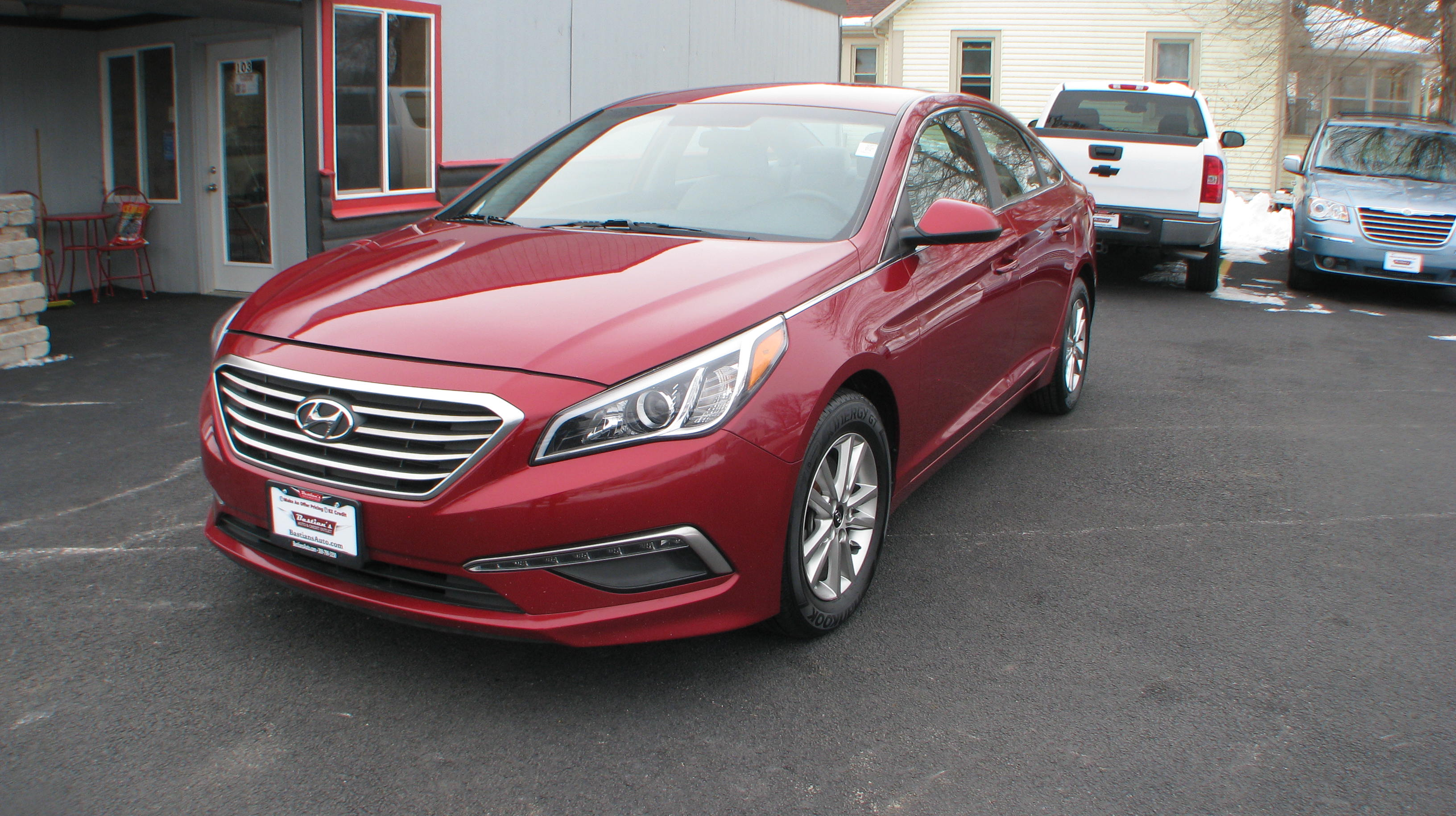Pre-Owned 2015 Hyundai Sonata 4d Sedan SE