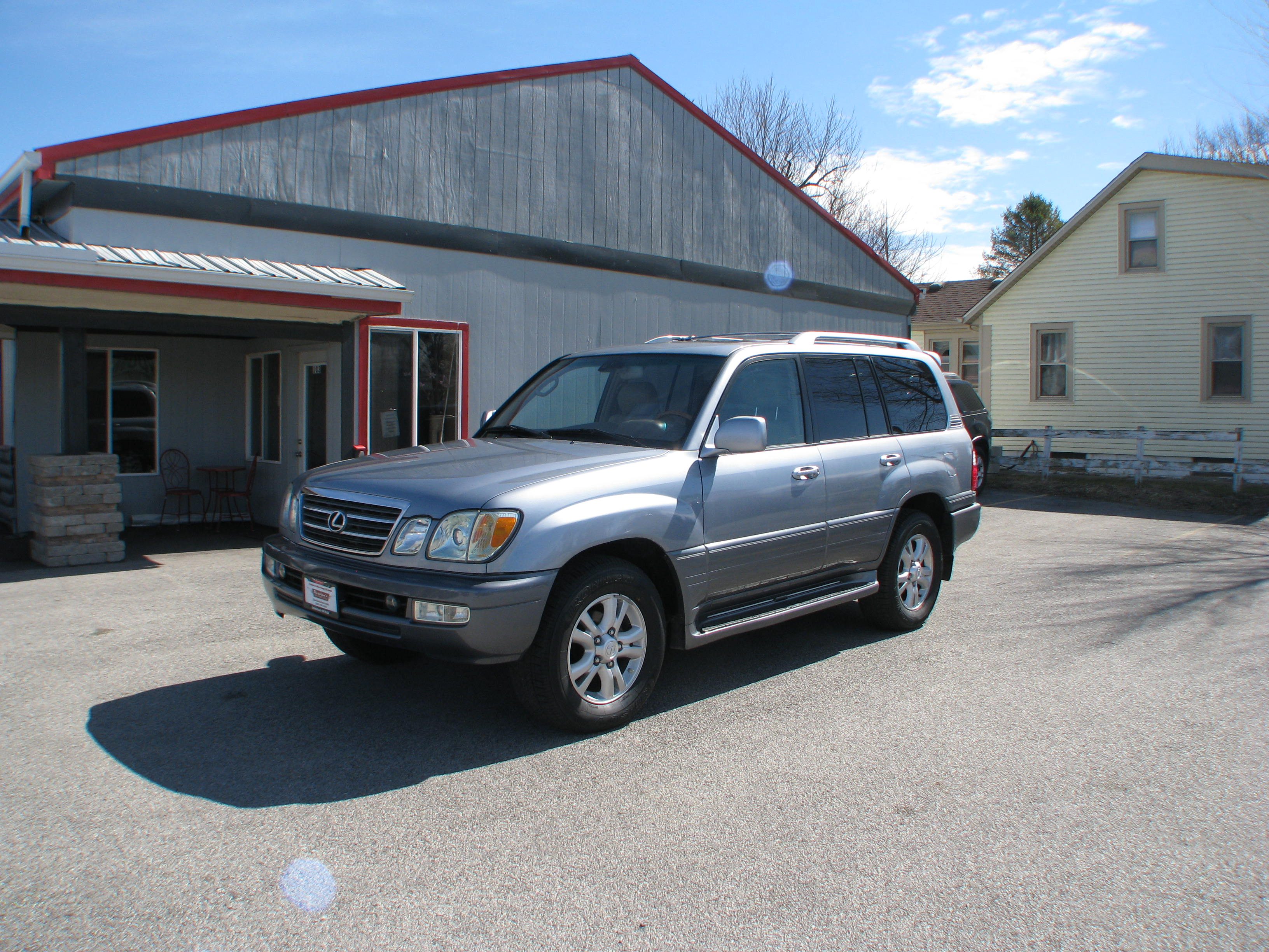 Pre-Owned 2004 Lexus LX470 4d SUV