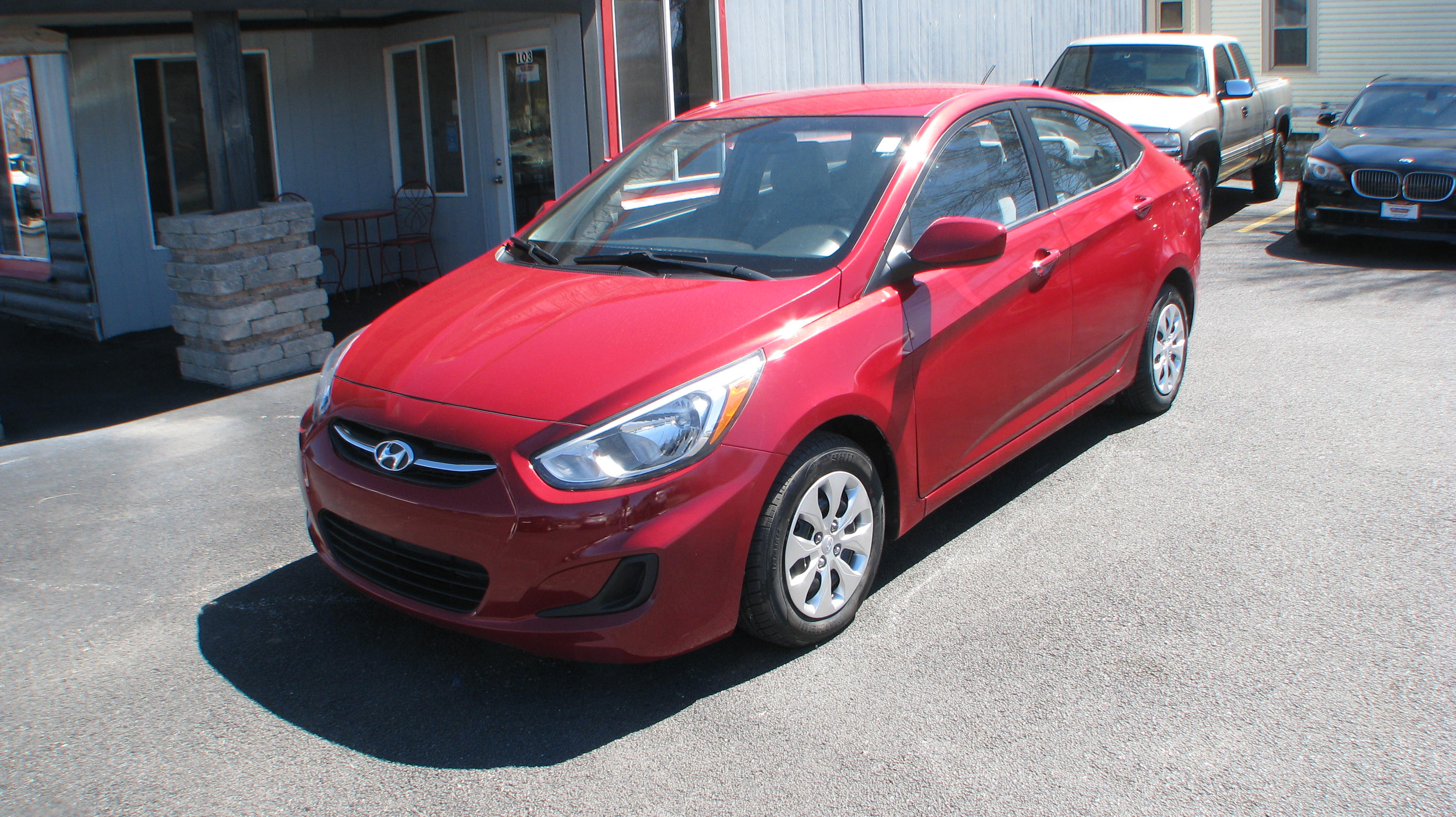 Pre-Owned 2015 Hyundai Accent 4d Sedan GLS Auto