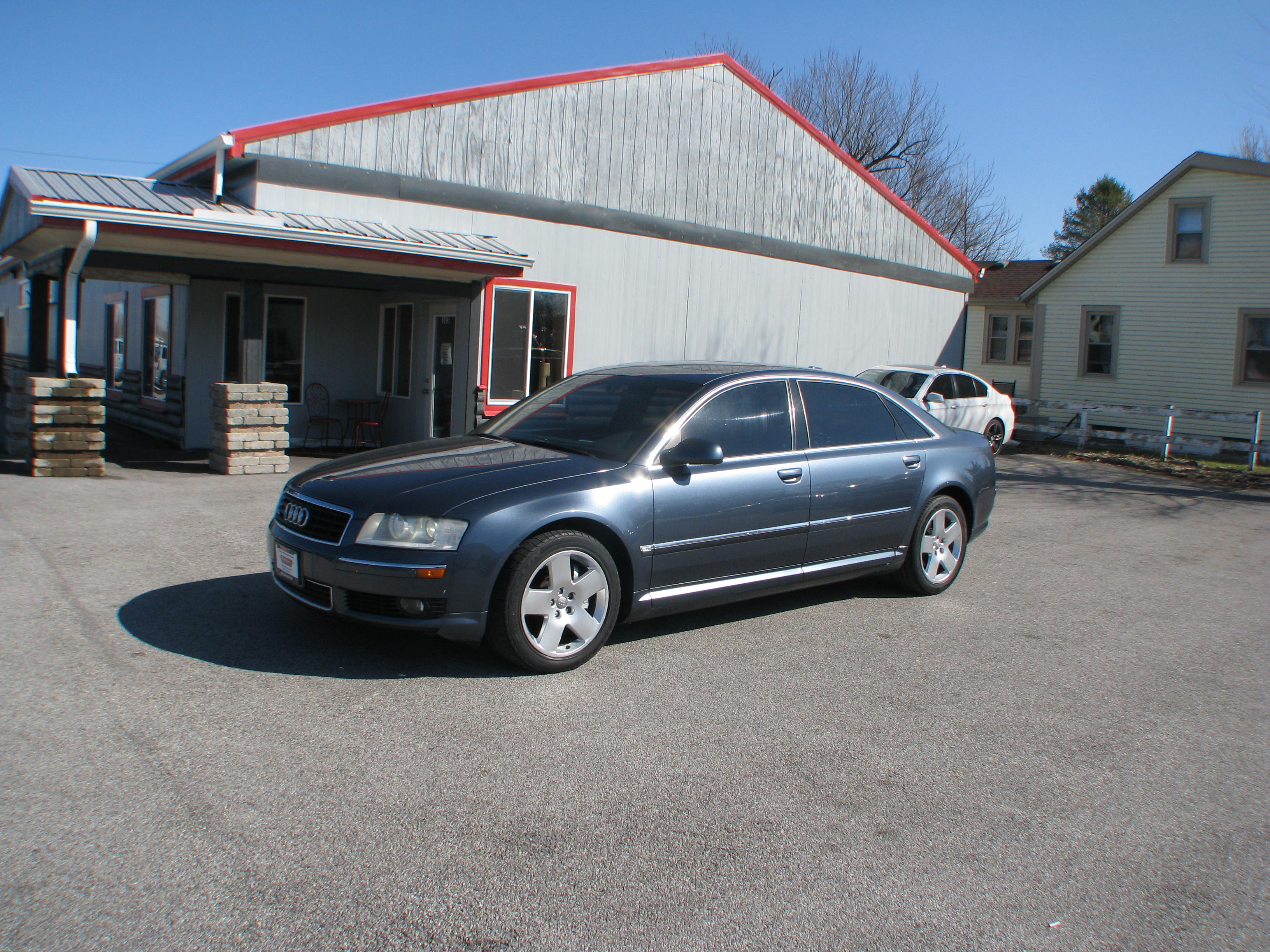 Pre-Owned 2004 Audi A8 4d Sedan Quattro L